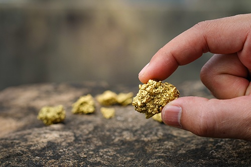 gold in hand-blog