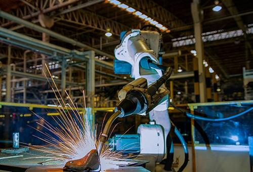 robot welding-blog.jpg