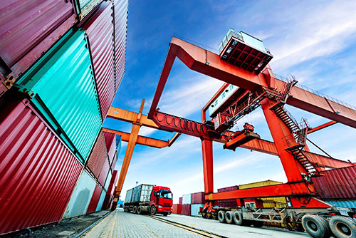 containers-in-port-blog